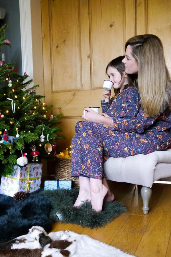 Lola + Blake Dames Pyjama Woodland Slaapkopje