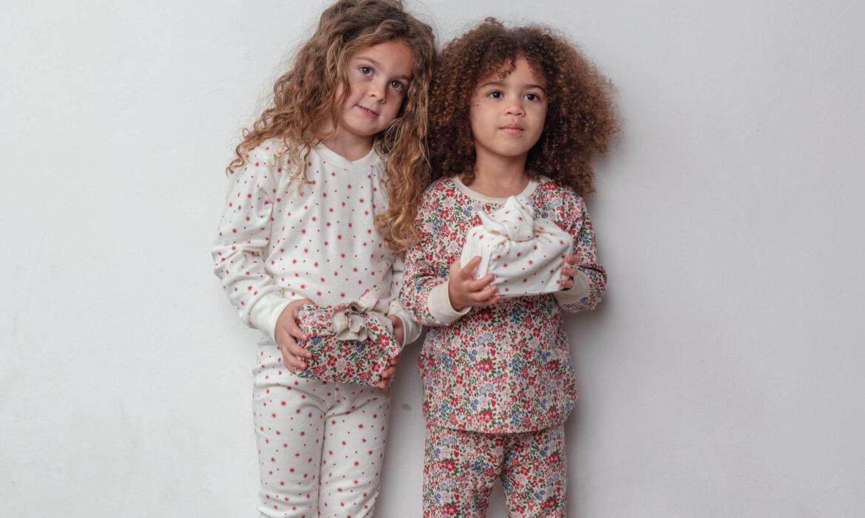 Sleepy Doe pyjama Winter Star and Floral Slaapkopje